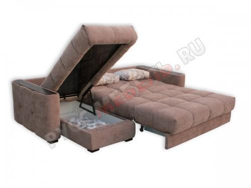 У дивана два бельевых ящика: