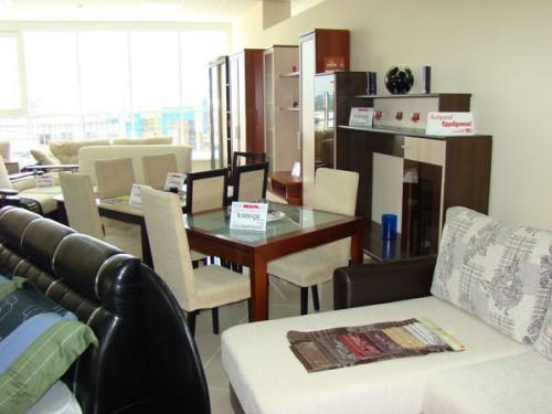 Столы, стулья и обеденные группы